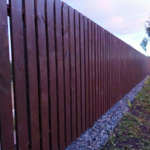 Забор из деревянного штакетника установка под ключ