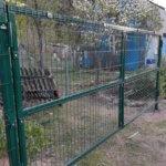 Ворота в заборе из 3д сетки