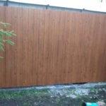 Деревянный забор без просветов