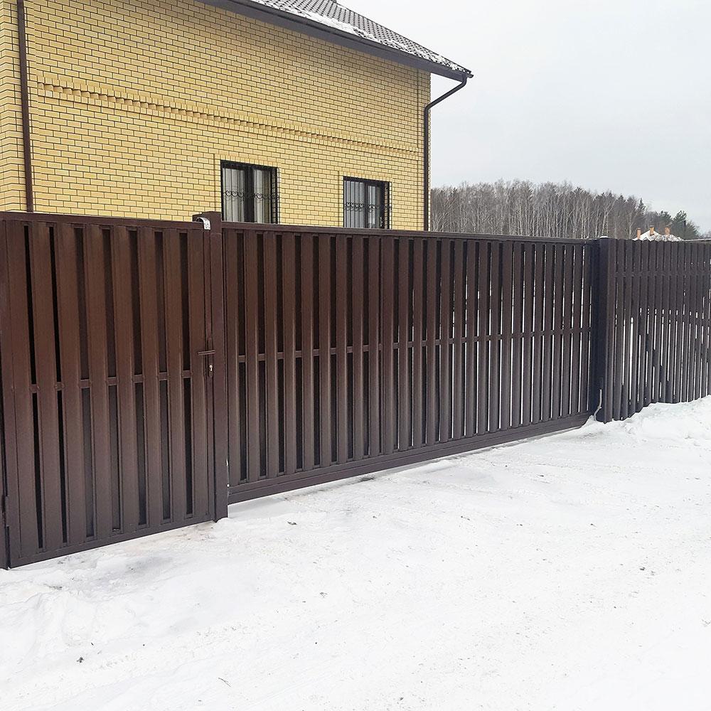 Откатные ворота автоматические из евроштакетника
