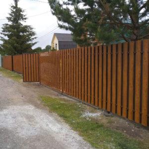Забор из евро штакетника оранжевый