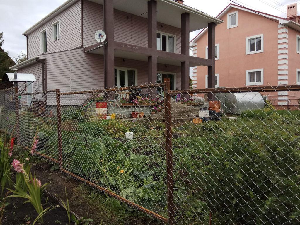 Сварной забор из сетки рабица
