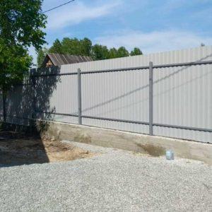 Забор из профлиста на фундаменте
