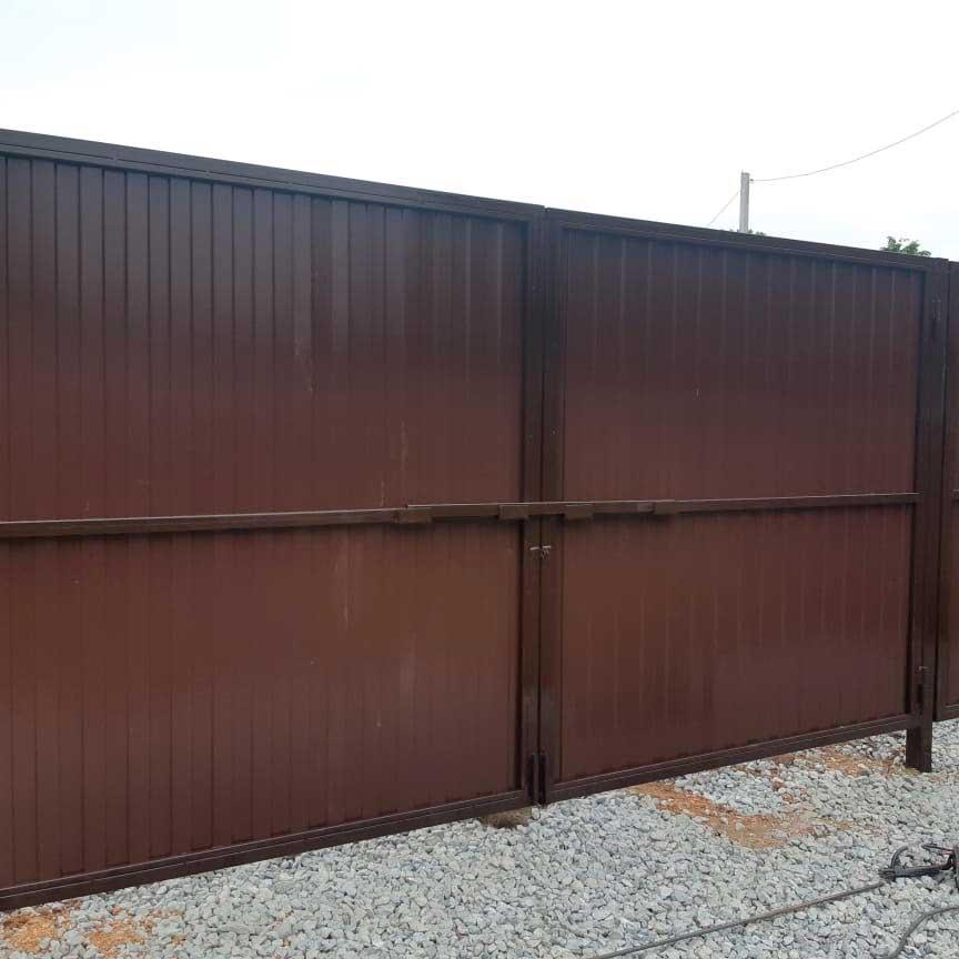 Ворота из профлиста цвет шоколад