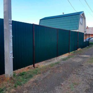 Забор из профлиста зеленый